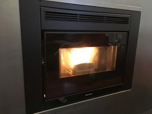 Comfort Idro L80 quemando pellet
